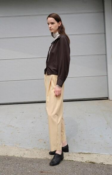 button point pintuck pants
