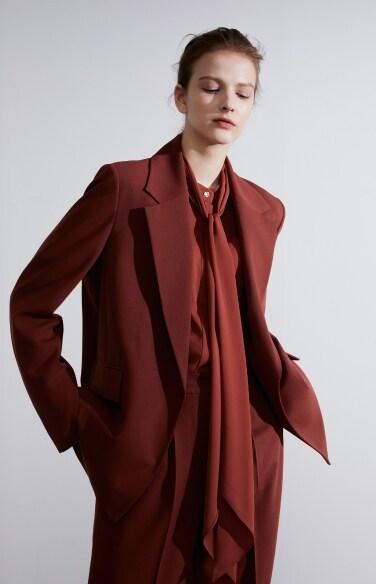 백 슬릿 재킷