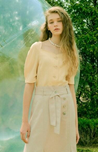 sweet heart neckline blouse