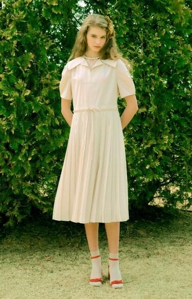 string waist pleated dress