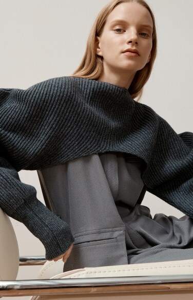 shoulder languish knit(모델 한슬 착용)
