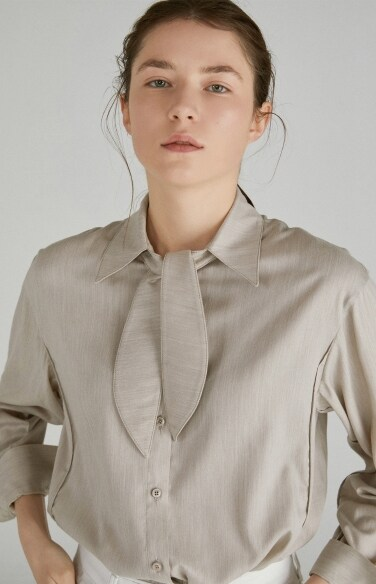 petit scarf neck shirt