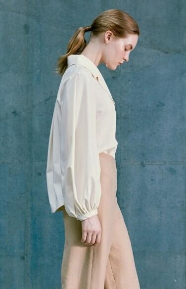 triangle-flap pocket blouse(최강희   박지현 착용)