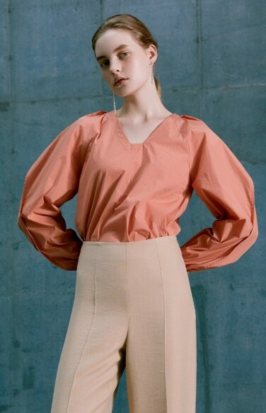 square neck raglan sleeve blouse