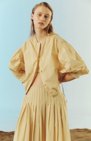shirring puff sleeve crop blouse