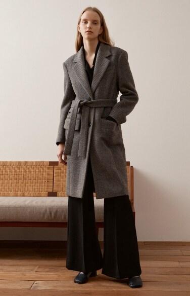 flap pocket belted twill coat
