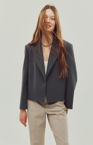 hidden button cropped jacket