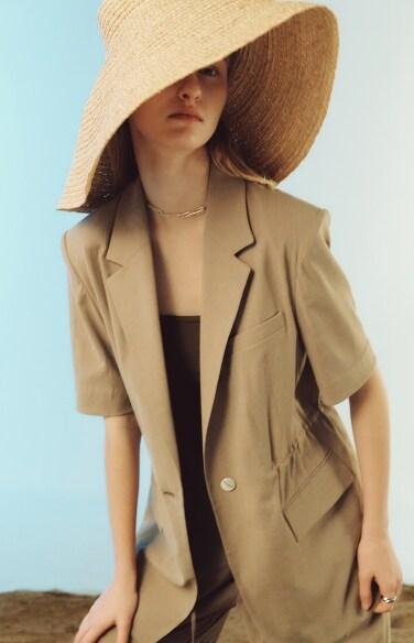 one button tailored half sleeve jacket