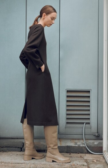 solid round neck wool dress