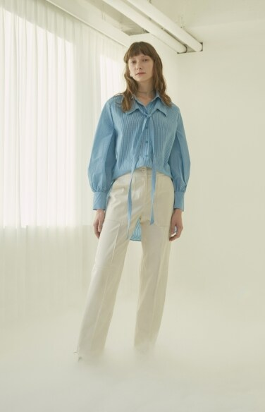High-waisted cotton trousers