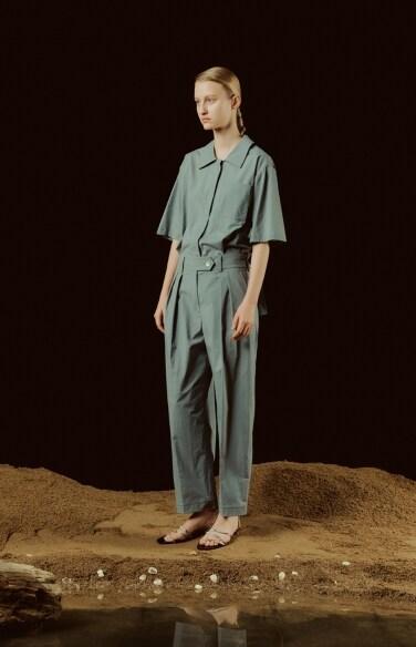 pin tuck solid pants