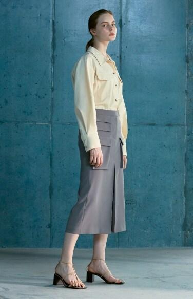 big out pocket cargo skirt