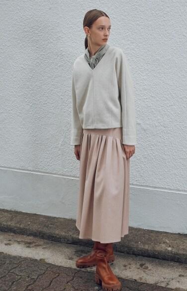 wool blended pin tuck flare long skirt