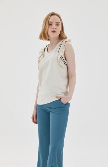 ruffle sleeveless top